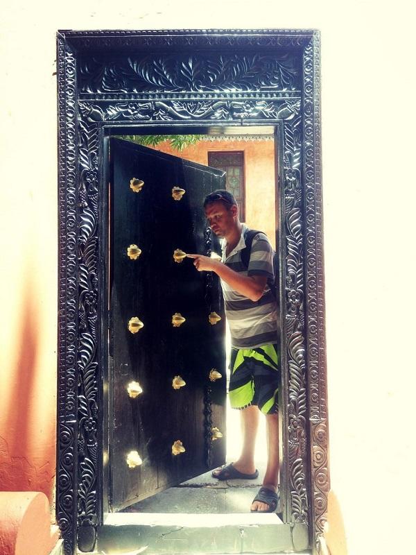 Двери в Стоун Тауне