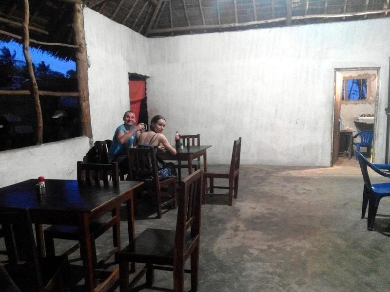 Ресторан для местных на Занзибаре