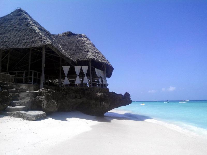Ресторан на пляже Кендва