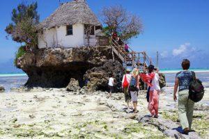 The rock Занзибар в отлив