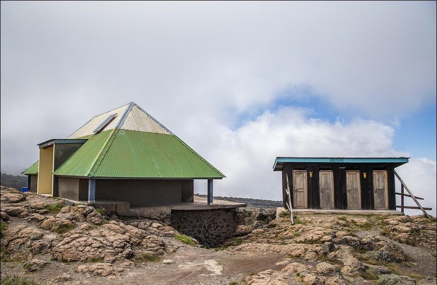 Куда ходить в туалет на Килиманджаро